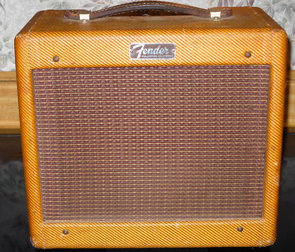 Tweed Fender Champ C 10805 Front2