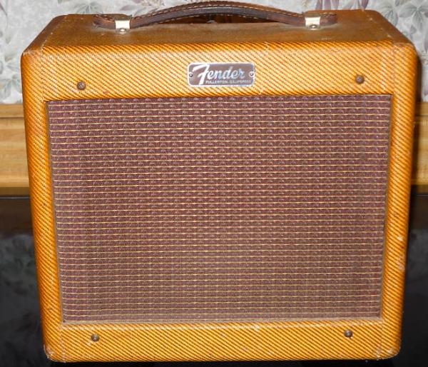 Tweed Fender Champ C 10805 Front2