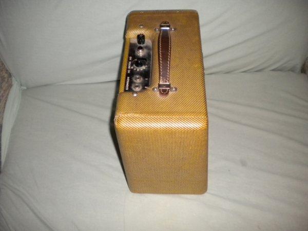 Tweed Fender Champ C-03084 left side